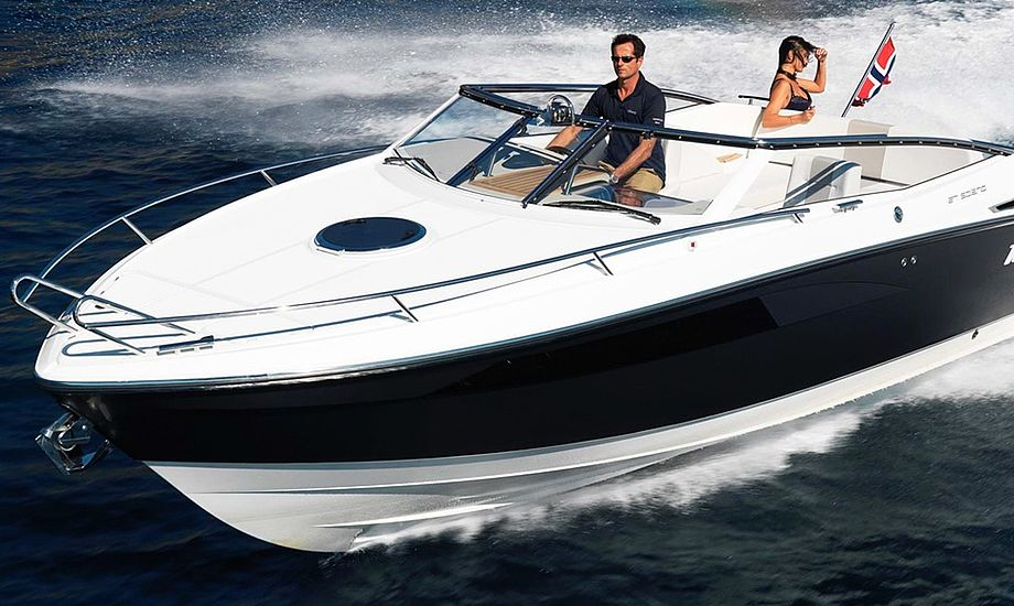 Windy 27 Salona har masser af smarte detaljer, og med 300 hk i motorrummet kan båden plane med over 40 knob. Foto: PR-foto