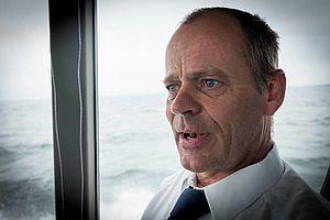 Danpilot-lods Steen Madsen undervejs i Langelandsbælt: - Jeg er sømand. Dejligt at slippe for alt det papirarbejde. Foto: Søren Stidsholt Nielsen