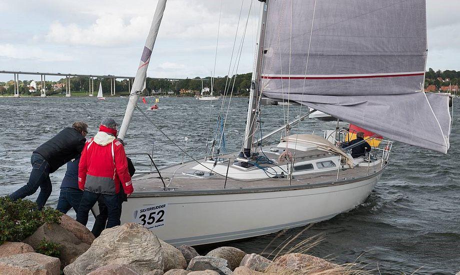 En tysk Luffe 43-sejler, flergangsdeltageren Torben Hübner, mistede også herredømmet over sin båd. Foto: Søren Stidsholt, Søsiden, Fyns Amts Avis