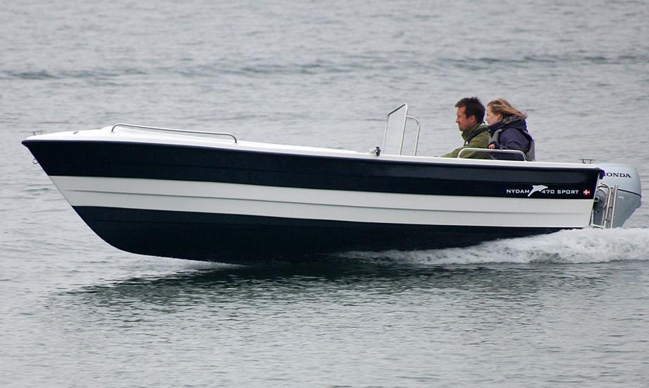 På Fredericia Boat Show kan man byde på en komplet udstyret Nydam 470 med trailer til en samlet værdi af 60.000 kroner.