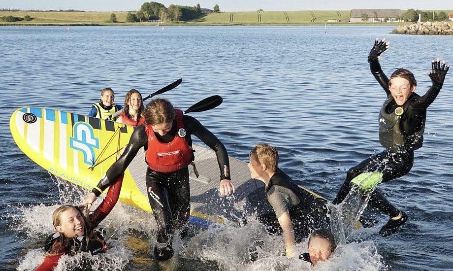 Sejlerglade børn skal naturligvis også have pakker med et maritimt islæt til jul. Foto: Anne Hopmann