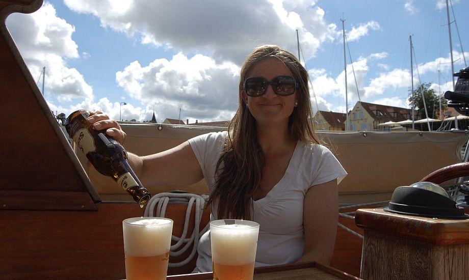 Der er mange lokale lækkerier, der skal testes, inden vi sejler fra solskinsøen. Foto: Privatfoto
