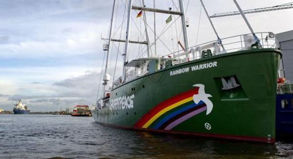 Den 58 meter motorsejler bruger vinden og sparer en masse diesel, fortæller North Sails. Foto: Greenpeace